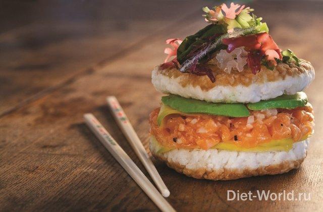 В Японии скрестили суши с бургером и хотдогом!